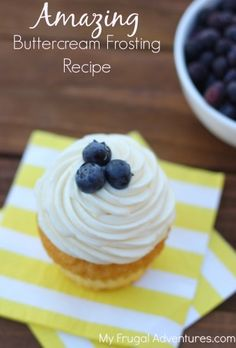 Amazing Buttercream Frosting Recipe- the perfect balance of butter, sugar and cream cheese for a super creamy and delicious frosting.