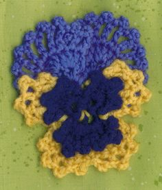 Curious and Crafty Readers » Blog Archive » Free Fancy Pansy Crochet Flower Pattern