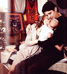 This is family goals. #OneTreeHill