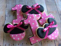 Minnie Mouse Sugar Cookies (1 dozen) by LaPetiteCookie on Etsy https://www.etsy.com/listing/152406218/minnie-mouse-sugar-cookies-1-dozen