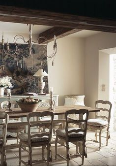 Eye For Design: Decorate With Rustic Italian Chandeliers