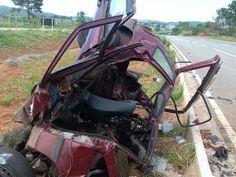 Cinco pessoas morreram em um acidente na madrugada deste domingo (30), na BR-060, em Guapó, na R...