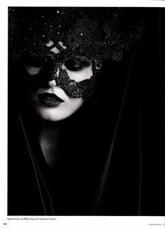 Celebrities who wear, use, or own Philip Treacy for Valentino Couture Mask. Also discover the movies, TV shows, and events associated with Philip Treacy for Valentino Couture Mask. Dark Beauty, Gothic Beauty, Hidden Beauty, Anita Berber, Dark Queen, Estilo Rock, Lace Mask, Valentino Couture, Philip Treacy