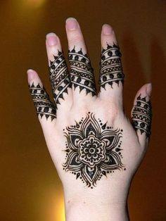Simple Black Mehendi Designs