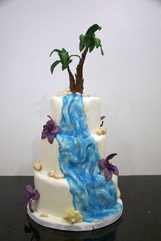 29 Amazing Waterfall Wedding Cakes Ideas - Fashion and Wedding Waterfall Cake, Waterfall Wedding, Beautiful Cakes, Amazing Cakes, Sea Cakes, Cupcake Cakes, Cupcakes, Purple Wedding Cakes, Beach Wedding Inspiration