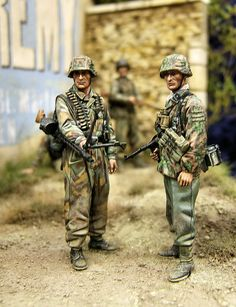 SCAHMS 14 Show:  Two German SS infantrymen, Normandy, 1944
