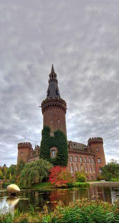 Moyland castle, Germany (Photographer: Jason Lee)