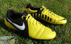 Nike CTR360 Maestri III in Sonic Yellow