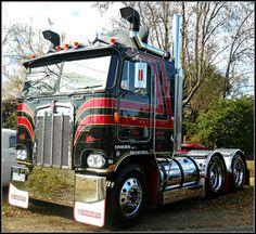 Big Rig Trucks, Semi Trucks, Cool Trucks, Pickup Trucks, Train Truck, Road Train, Cab Over, How To Clean Metal, Peterbilt Trucks