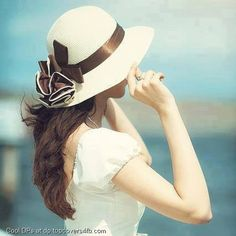 A collection of most beautiful, cool, stylish and awesome profile pictures ever! We have nice variety of facebook profile pictures and Google+ dps.