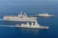 Subissant elle aussi les contraintes budgétaires, la flotte française est néanmoins parvenue à conserver l'ensemble de ses capacités, faisant d'elle, désormais, la seule marine globale d'Europe.