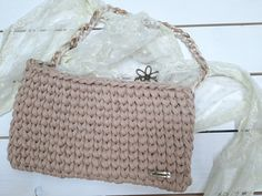 crochet shoulder bag,t-shirt yarn handbag,White Brown Marble Chain,beige crochet bag,women bag,shell chain by StellaandFoteini on Etsy Crochet Handbags, Crochet Bags, Crochet Shoulder Bags, T Shirt Yarn, Bag Making, Shells, Handmade Items, Marble, Crossbody Bag
