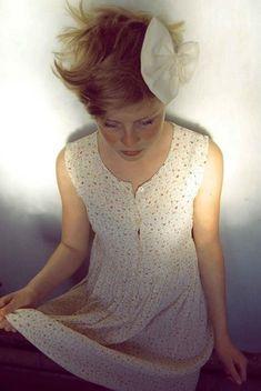 Gift Bow, Myrorna Dress