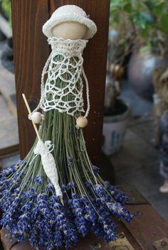 Lavender Crafts, Lavender Bags, Lavender Sachets, Lavender Flowers, Dried Flowers, Diy Arts And Crafts, Hobbies And Crafts, Crafts For Kids, Deco Floral