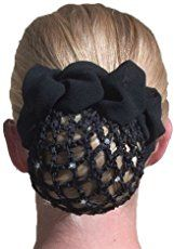 These crocheted bun covers are strong and easy enough to use every day, and a little bit of sparkle and bright colors make them a fun fashion statement! Crochet Snood, Crochet Hair Clips, Crochet Belt, Crochet Case, Crochet Bracelet, Crochet Hair Styles, Crochet Gifts, Crochet Headbands, Diy Hair Bun