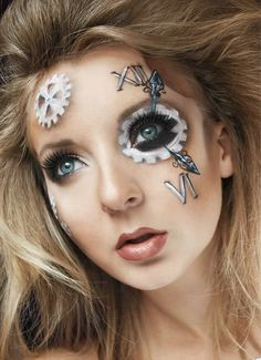 Halloween Steampunk Makeup Guide: Clockpunk clock face and hands - For costume tutorials, clothing g Punk Makeup, Fx Makeup, Crazy Makeup, Makeup Style, Gold Makeup, Steampunk Make Up, Steampunk Halloween, Steampunk Hair, Steampunk Fashion