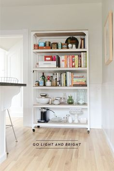 4 WAYS TO GIVE A TRADITIONAL SPACE A MODERN TOUCH
