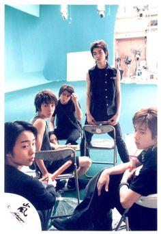 Listen to every Arashi track @ Iomoio Handsome, Guys, Retro, Concert, Track, Aesthetics, Shop, Photos, Blue