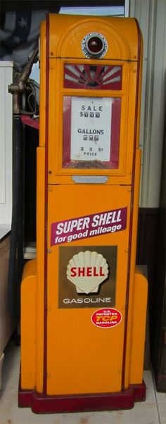 Vintage Gas Pump. ★。☆。JpM ENTERTAINMENT ☆。★。