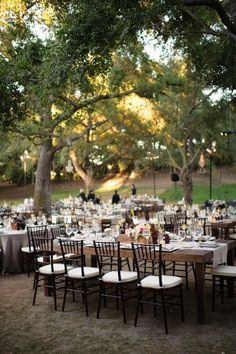 Gallery & Inspiration   Tag - Al Fresco   Picture - 1156208, Outdoor Weddings, Wedding in the Park, Unique Venues, Beautiful Table Settings, Modern Wedding, #gardenweddings