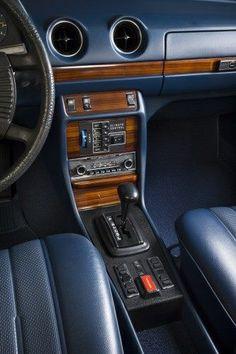 Mercedes-Benz 300D ( W123 ), 1978, Astral Silber / Blau MB-Tex.