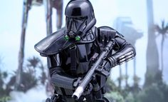 Star Wars Death Trooper Specialist Sixth Scale Figure by Hot | Sideshow Collectibles