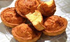 Η αυθεντική συνταγή για την πληθωρική πατινιώτικη τυρόπιτα   Dogma Cookie Dough Pie, Savory Muffins, Savoury Pies, Greek Easter, Greek Cooking, Snack Recipes, Food And Drink, Chips, Treats