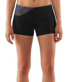 Versatile athletes require equally versatile gear, and these sleek shorts more than qualify. Sensationally soft UA Perfect fabric provides comfort with every move, while anti-microbial properties ensure freshness far beyond the gym and field. Finished with advanced seam placement to showcase curves, this pair succeeds from workouts to the sidewalks.