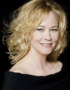 Cybill Shepherd announced as Star of the Valley Award Honoree for Arts & Entertainment by the Valley Economic Alliance Cybill Shepherd, Trendy Hairstyles, Bob Hairstyles, The Heartbreak Kid, Brazilian Keratin, Classic Actresses, Dye My Hair, Arts And Entertainment, International Film Festival