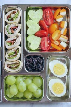 Tired of Boring Lunches? Try One of These 7 Easy Bento Boxes John Tired of Boring Lunches? Try One of These 7 Easy Bento Boxes Tired of Boring Lunches? Try One of These 7 Easy Bento Boxes Lunch Snacks, Lunch Recipes, Healthy Dinner Recipes, Box Lunches, Bento Lunch Ideas, Bento Box Lunch For Adults, Lunch Boxes For Kids, Lunch Box Meals, Kids Bento Box