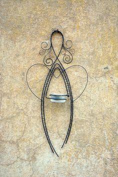Světlonoš. Drátovaný svícen. / Zboží prodejce RoníkoVo   Fler.cz Jewelry Tools, Wire Jewelry, Jewelry Art, Vintage Jewelry, Wire Crafts, Metal Crafts, Wire Jig, Hanger Crafts, Wire Ornaments