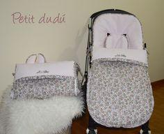 Para estos dos sacos de silla he combinado un piqué con un dibujo de nido de abeja en color rosa con un algodón estampado de flores en tonos tostados y rosados. El estampado tiene unas flores pequeñas en distintos tonos.