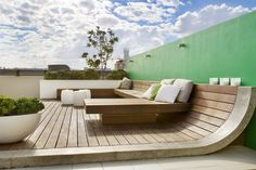 A rooftop retreat in Bondi Beach – Sustainable Architecture with Warmth & Texture Pergola Diy, Deck With Pergola, Pergola Shade, Pergola Plans, Pergola Roof, Patio Roof, Pergola Ideas, Architecture Durable, Architecture Design