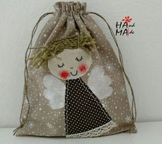 an angel-decorated bag Christmas Sewing, Christmas Crafts, Christmas Ornaments, Hobbies And Crafts, Diy And Crafts, Sewing Crafts, Sewing Projects, Angel Crafts, Patchwork Bags