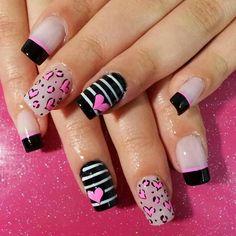 Corazones Purple Nail Art, Pink Nails, Nail Polish Designs, Nail Art Designs, Love Nails, Pretty Nails, Nail Art Printer, Valentine Nail Art, Dry Nails