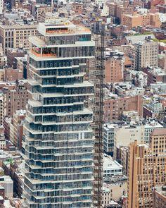 Top floor please.  Último piso por favor.  #eabreunyc