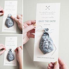 Hoje tem inspiração para quem é bom de caligrafia e adora inovar nos detalhes do casamento ;) Claro que a ideia pode ir além e ser utilizada também como convite para chás, aniversários e noivado…