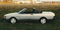 Around 1981 the chairman of Saab-Scania America, Robert J. 'Bob' Sinclair, saw the opportunity in the market for Saab to offer a high quality car with soft top. Saab 900 Convertible, Car Photography, Classic Cars, Classic Auto, Car Manufacturers, Super Cars, Roads, Blog, Historia