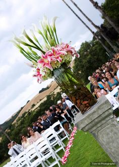Decorations ideas for the ceremony with stargazer lily