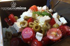 Un piatto fresco e saporito, semplice e velocissimo da realizzare, ideale per i pranzi leggeri della nostra estate. #caprese #feta