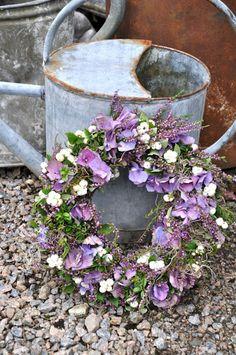 Wreath with hydrangeas and heather