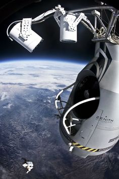 red bull stratos felix baumgartner space jump (21)