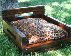 Cama del animal doméstico madera reciclada hecha a mano, perro cama, pequeñas mascotas cama, cama para mascotas de madera, cama de madera perro #515