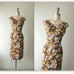 50's Floral Dress // Vintage 1950's Floral Print Fitted Cocktail Party Mad Men Dress XS