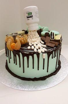 Purppurahelmen juhla- ja  fantasiakakut: Sairaanhoitajalle pikainen kakku