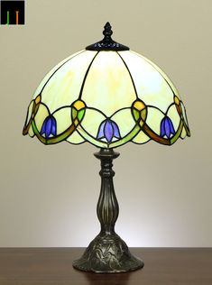 "Nice pattern 12"" Tiffany Floral Stained Glass Bedside /Side/ Table Lamp Light Leadlight"