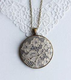 Vintage Beige Lace Necklace