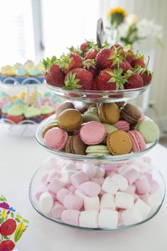 Takana, Party Snacks, Raspberry, Fruit, Desserts, Food, Tailgate Desserts, Appetizers For Party, Deserts
