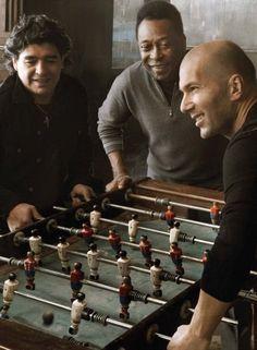 Football Legends: Diego Maradona, Pelé and Zinedine Zidane Zinedine Zidane, Best Football Players, Soccer Players, Football Soccer, Table Football, Football Icon, Messi Soccer, Basketball, Fifa