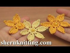 Today you will learn how to crochet this simple flat flower. This yellow flower is the exact same one as I crocheted in this tutorial. In the same technique i made a couple of leafs to combine them together in my project.